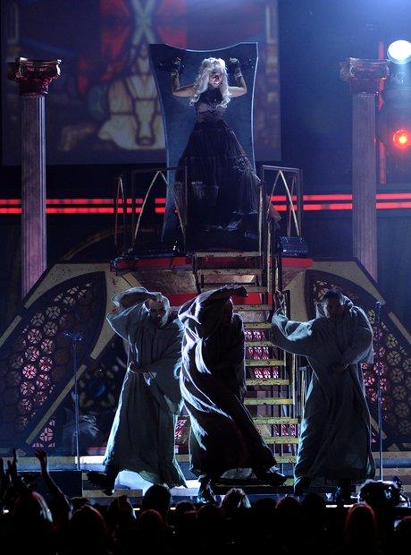 Nicki Minaj perfroms at the 2012 Grammy Awards