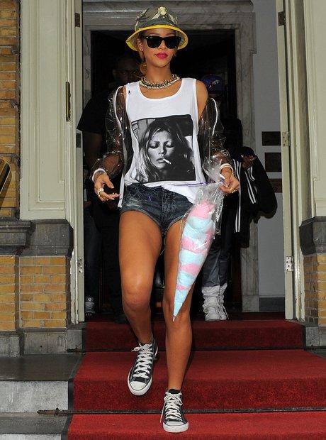 Rhianna wearing a Kate Moss t-short