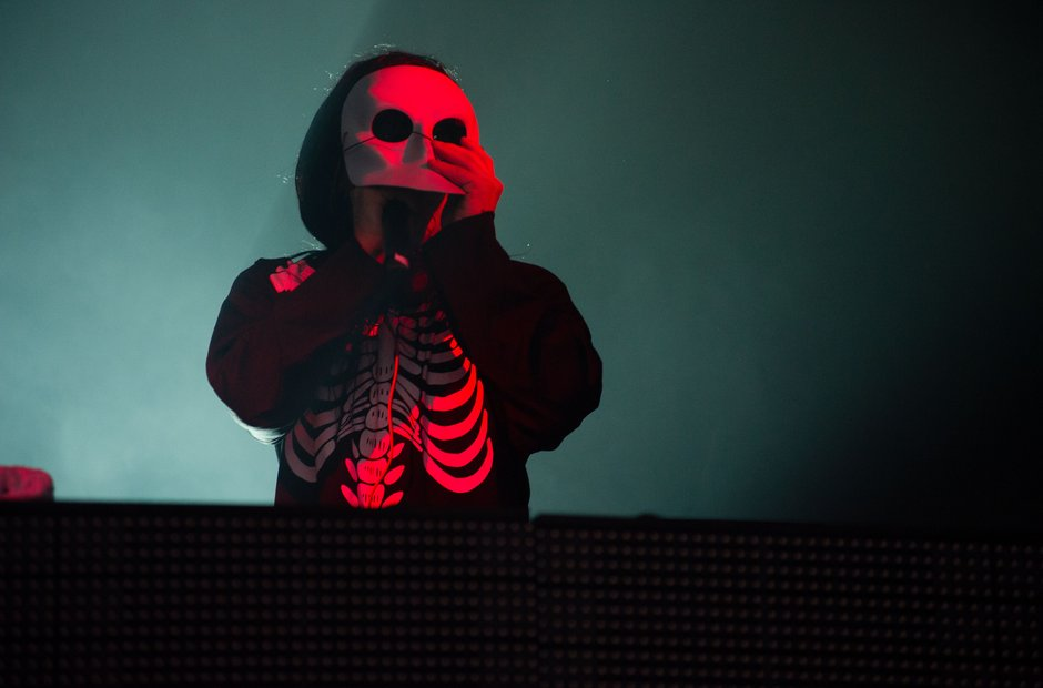 Skrillex djing with Halloween mask on