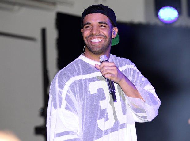 Drake Superbowl party performance