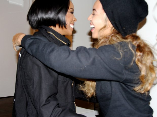 Kelly Rowland 33rd birthday Beyonce