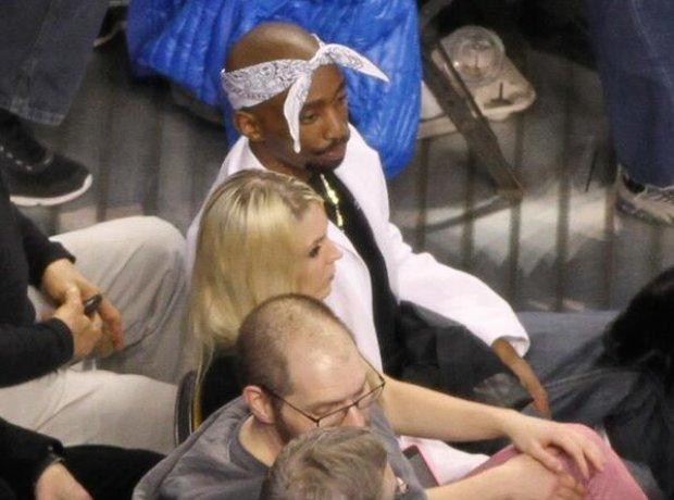 Fake Tupac lookalike