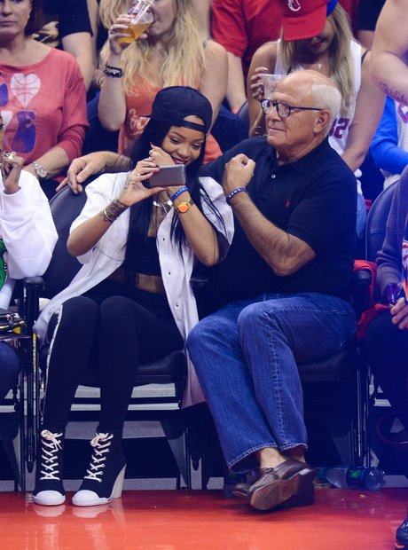 Rihanna selfie with LAPD chief