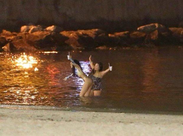 Rihanna in sea in Brazil