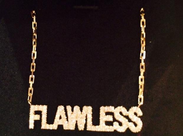 Nicki Minaj Flawless necklace