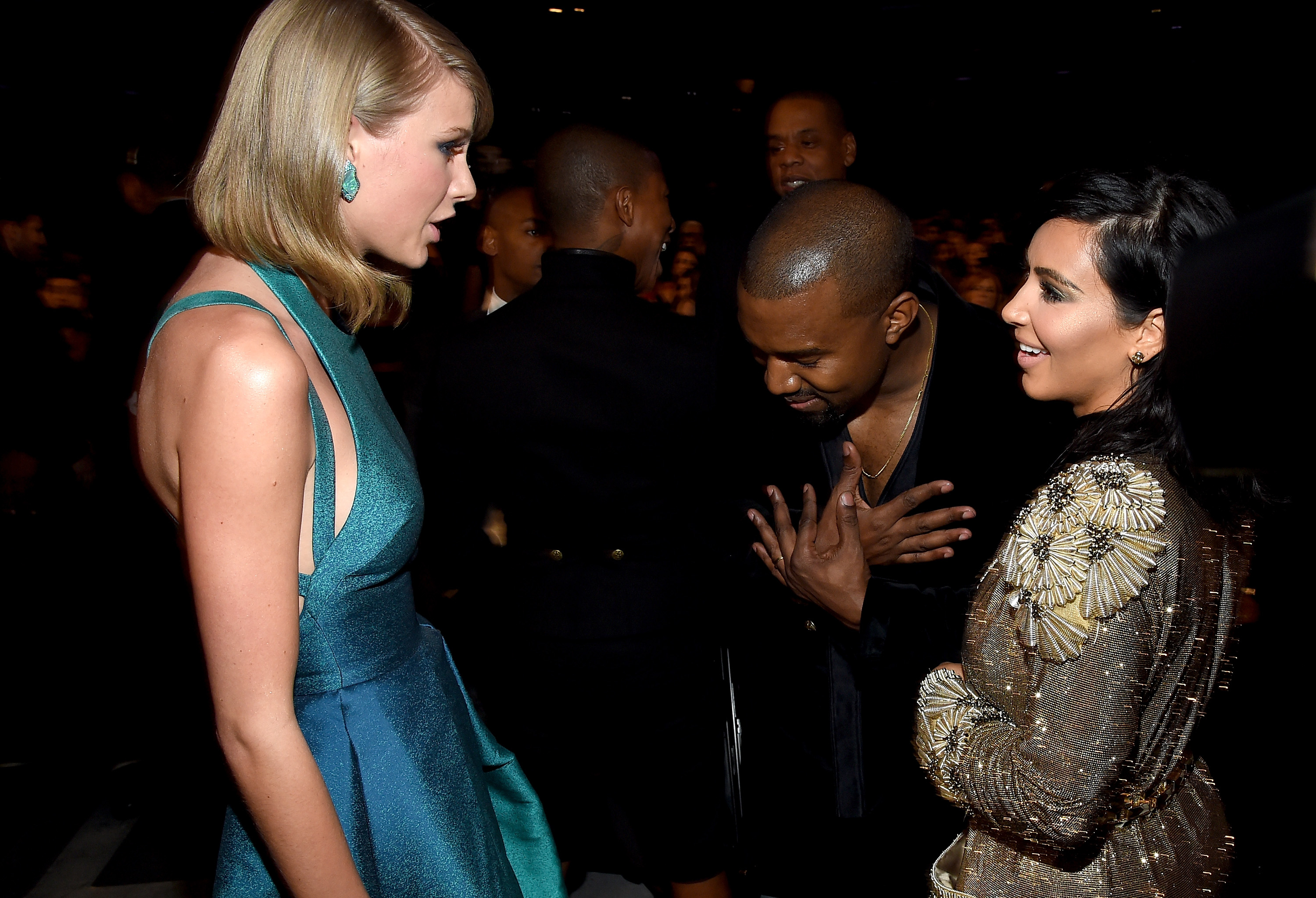 Kanye West bowing to Taylor Swift Grammys 2015