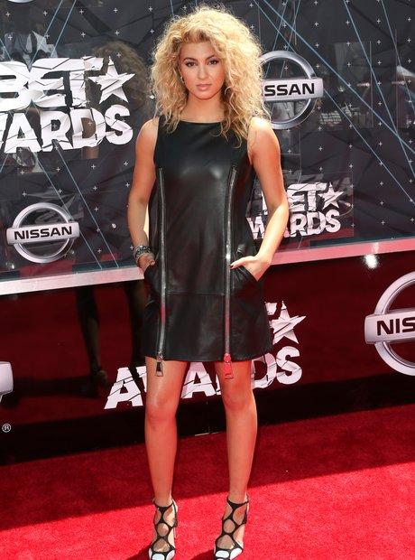 Tori Kelly BET Awards Red Carpet 2015
