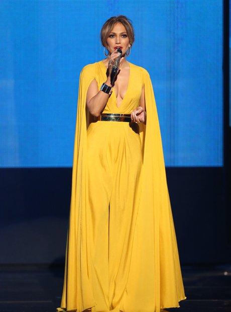 Jennifer Lopez American Music Awards 2015
