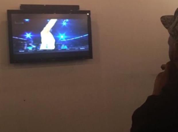 R Kelly watching tv