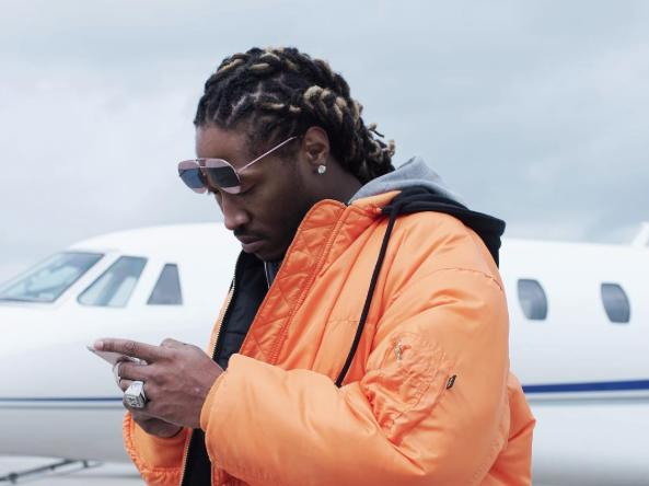 Future on his phone