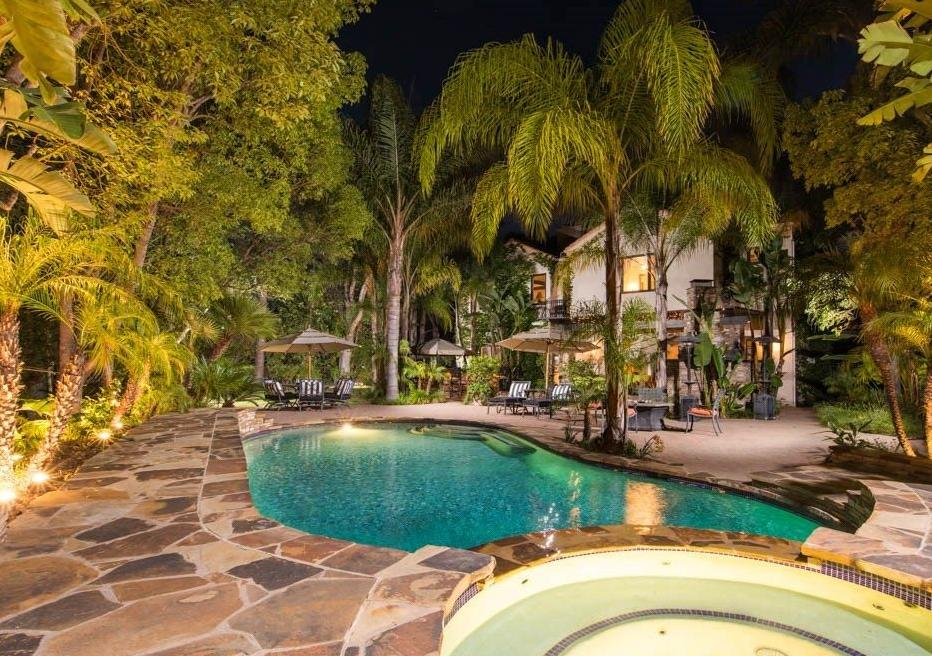 Tupac mansion 2