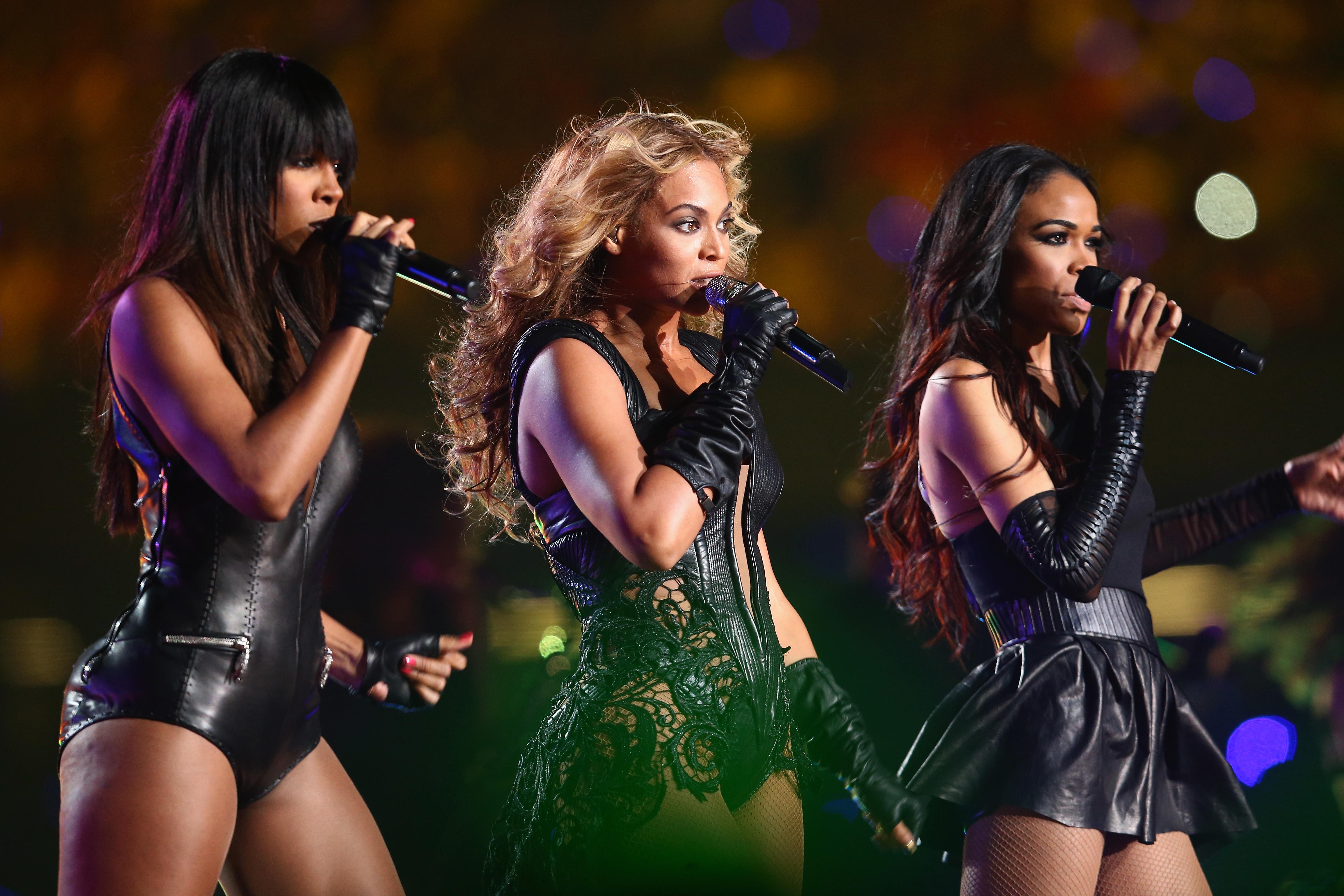 Destiny's Child perform during the Pepsi Super Bow