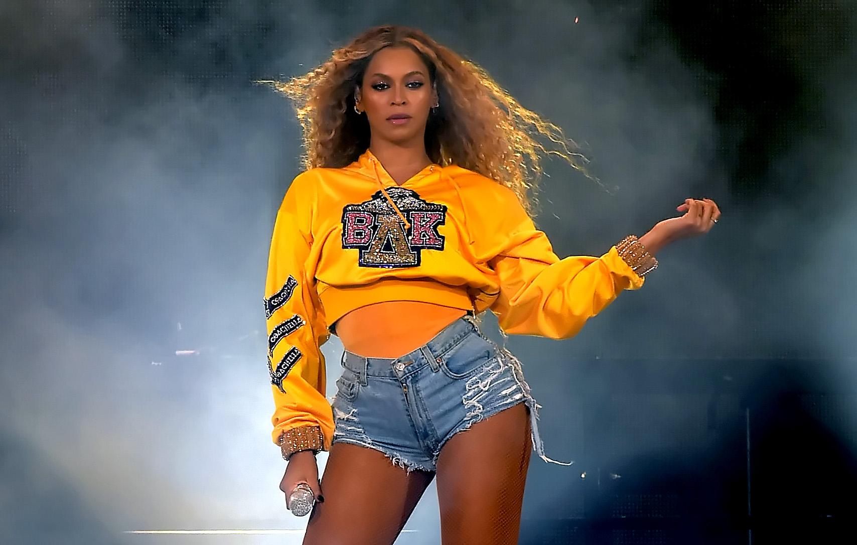 Beyonce Performs Coachella