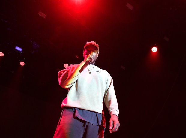 https://www capitalxtra com/artists/kanye-west/lists/facts/808s