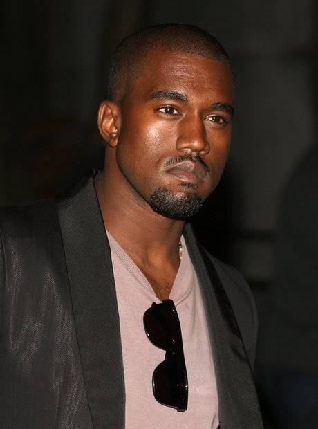 Kanye wests 18 most career defining moments capital xtra 10 controversy at the 2004 american music awards malvernweather Image collections