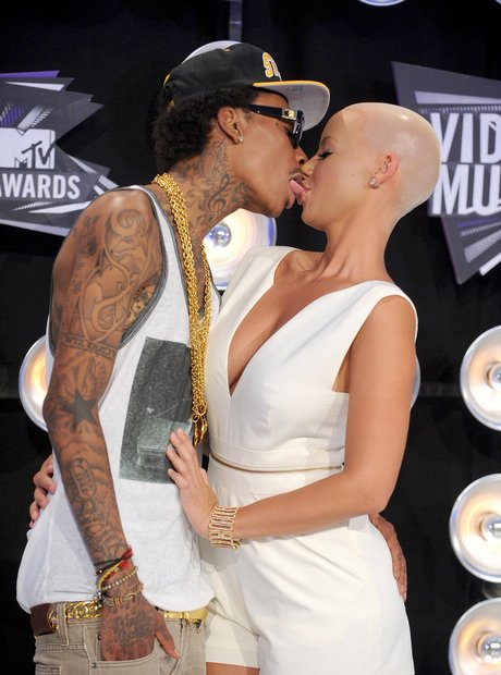 whos dating wiz khalifa
