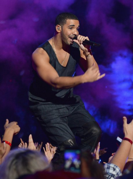 Does drake have his own label drake 25 facts about the for Fun facts about drake