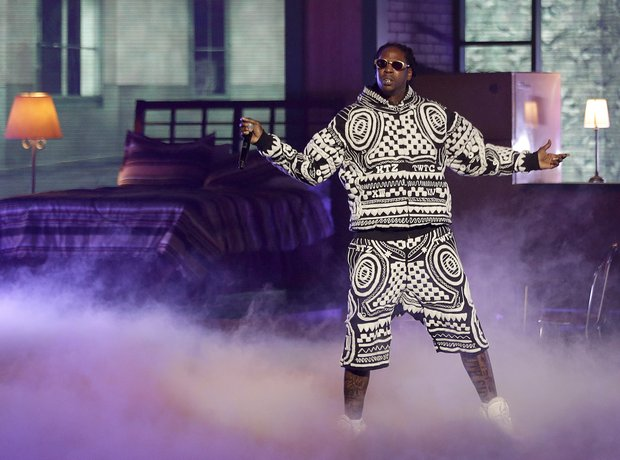 2 Chainz wearing black and white outfit at BET Awards