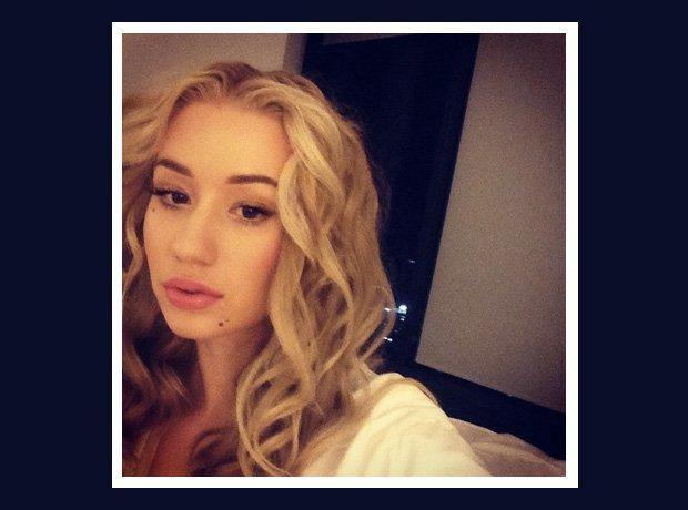 Iggy Azalea selfie