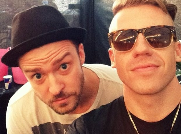 Macklemore and Justin Timberlake taking a selfie
