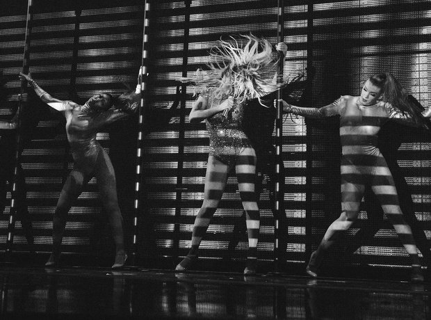 Beyonce and her backing dancers performs Mrs Carter Show Tour