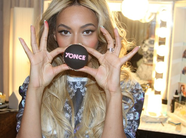 Beyonce Yonce cupcake