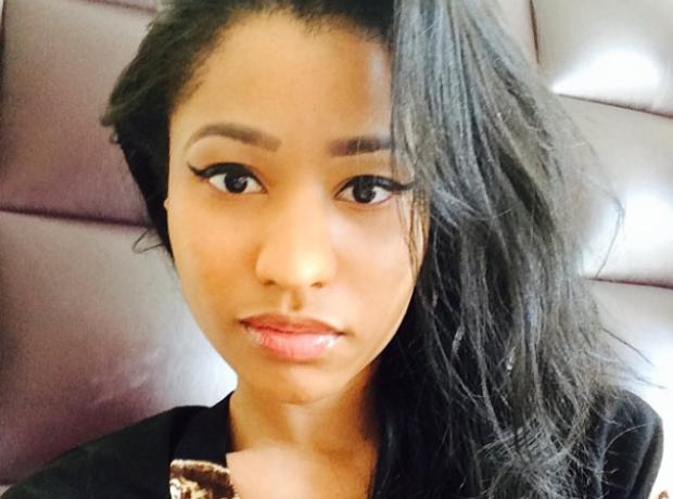 Nicki Minaj selfie