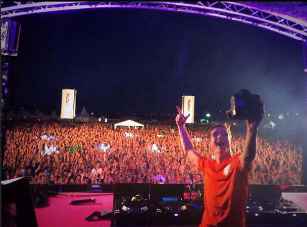 Martin Garrix selfie Instagram