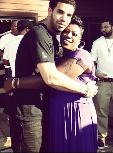 Drake Hug auntie