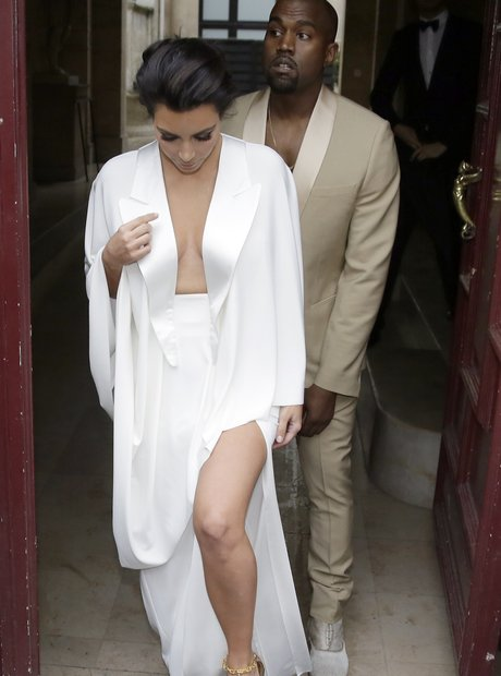 Kanye And Kim Went To Paris Get Married Here They Are On Their Way A Pre Party