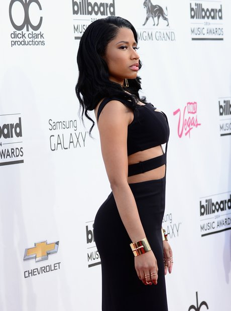 Nicki Minaj black dress at Billboard Music Awards 2014