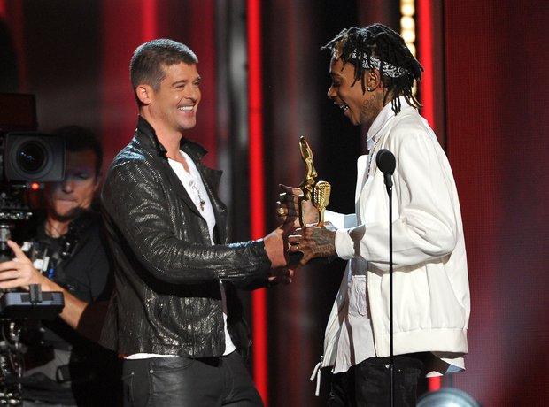 Robin Thicke Billboard Awards 2014