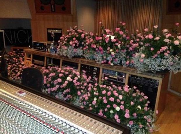 Nicki Minaj Trey Songz Flowers
