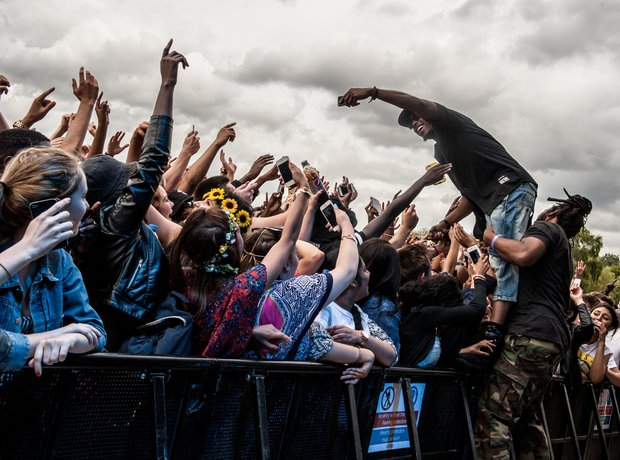B.o.B selfie in crowd at Wireless Festival 2014 Bi