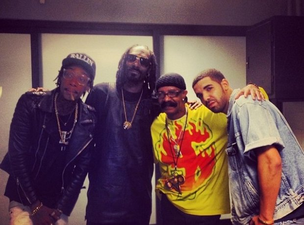 Drake with Whiz Khalifa, Snoop Dogg and dad