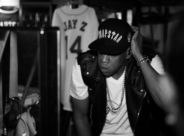 Jay Z wearing a Trapstar hat on his On The Run tour