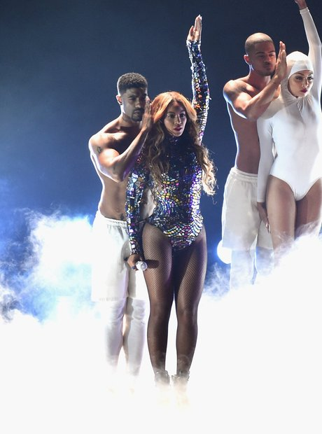 Beyonce MTV VMA 2014 Performance