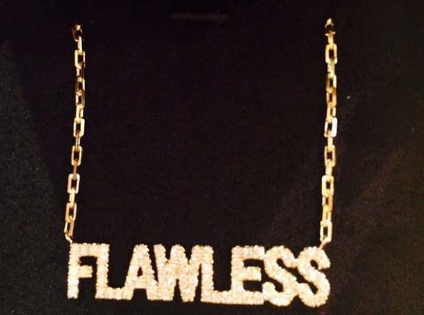 Nicki Minaj Flawless necklace