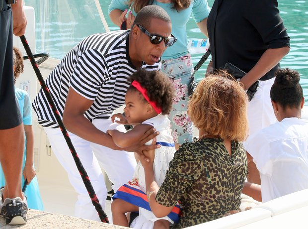 Jay Z, Blue Ivy and Beyonce on holiday