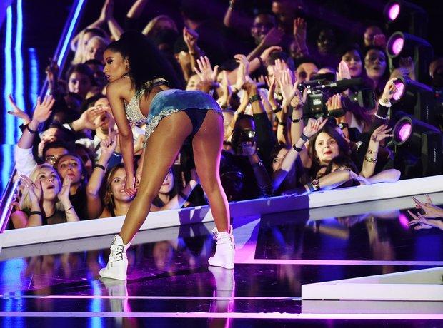 Nicki Minaj Fashion Rocks 2014