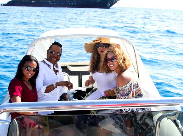 Beyonce and Jay Z holiday September 2014