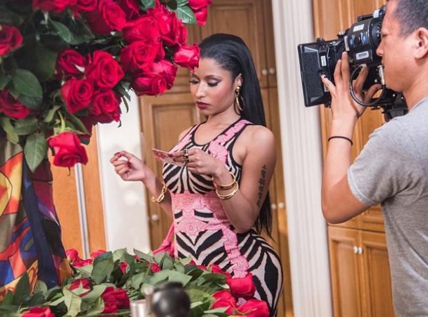 Nicki Minaj No Love Remix