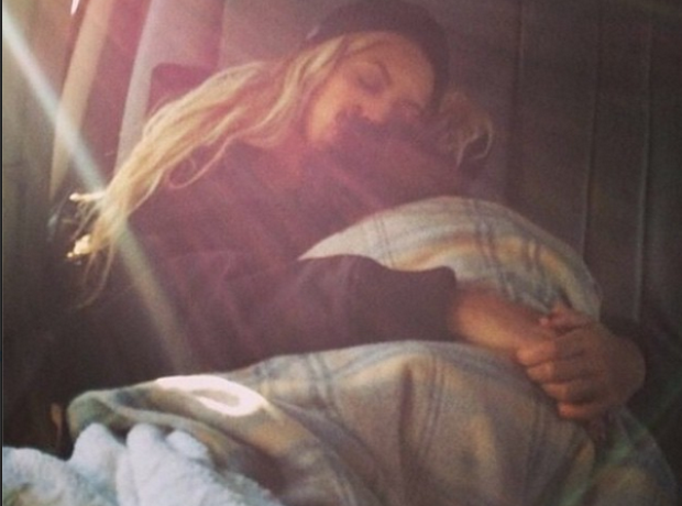 Beyonce asleep with Blue Ivy