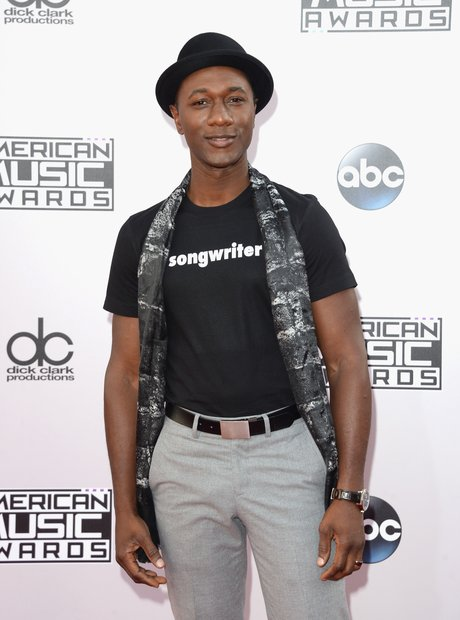 Aloe Blacc arrives at the American Music Awards 20