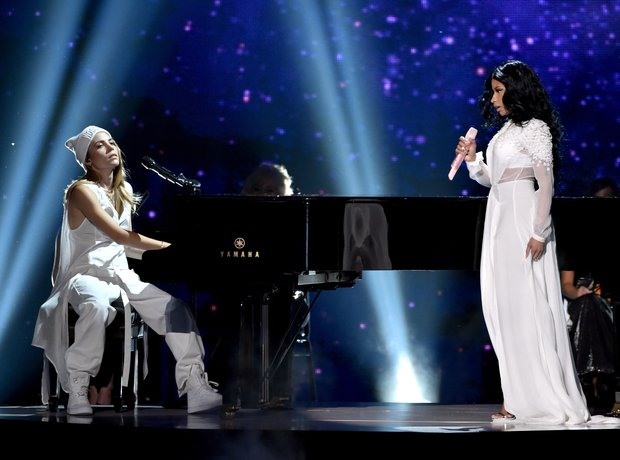 Skylar Grey and Nicki Minaj American Music Awards