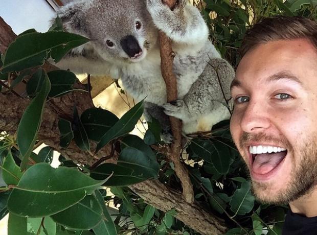 Calvin Harris Koala selfie