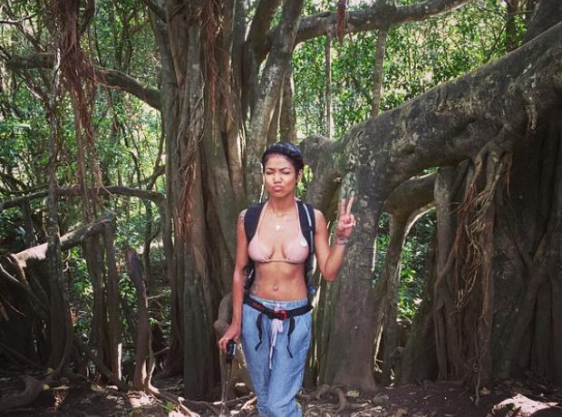 Jhene Aiko Trekking
