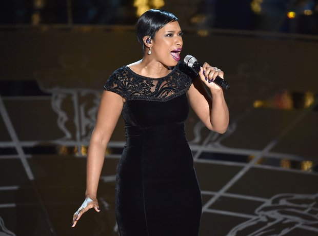 Jennifer Hudson performs at the Oscars 2015