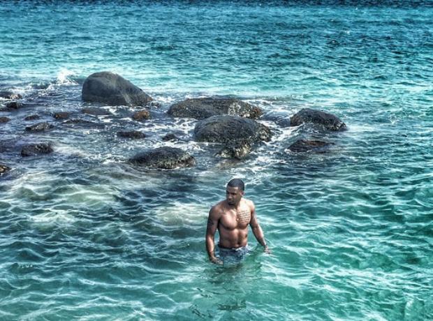 Trey Songz in sea