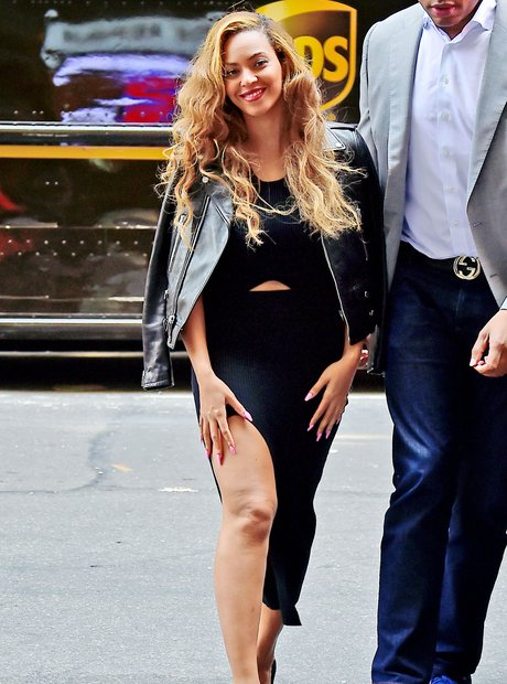 Beyonce wearing an all black outfit